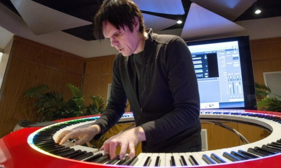 Keyboard player Brockett Parsons plays the 360 degree piano at the Berklee College of Music. (Robin Lubbock/WBUR)